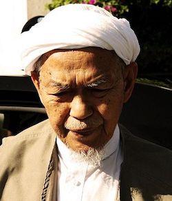 Nik Abdul Aziz Nik Mat | Pic 1